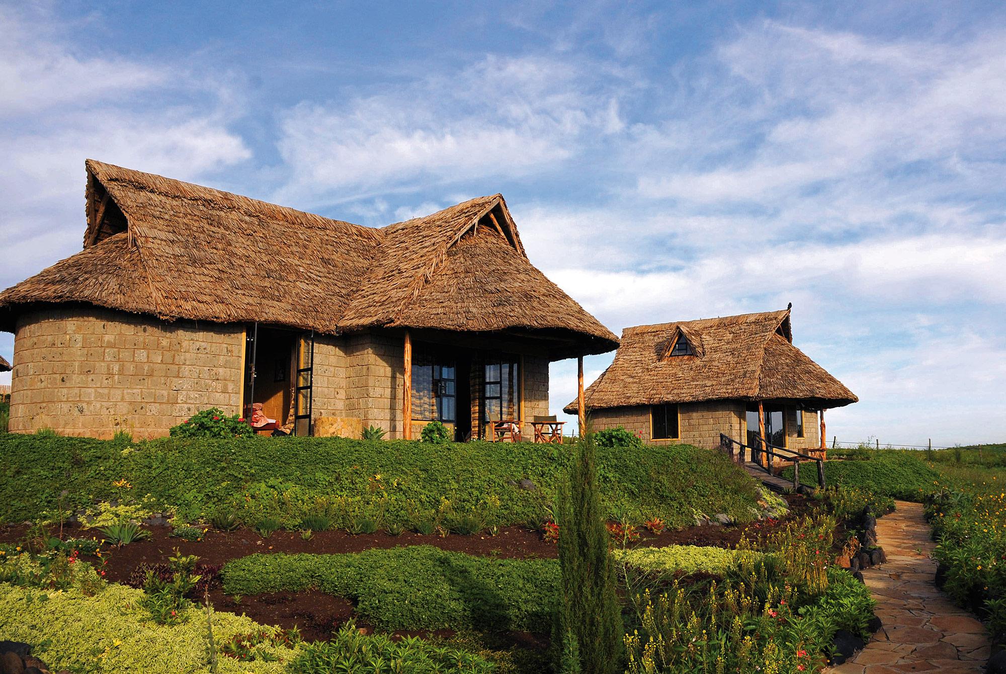 Rhino Watch Lodge im zentralen kenianischen Hochland mit Blick a